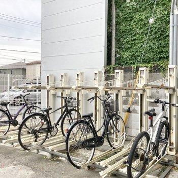 駐輪スペースも。