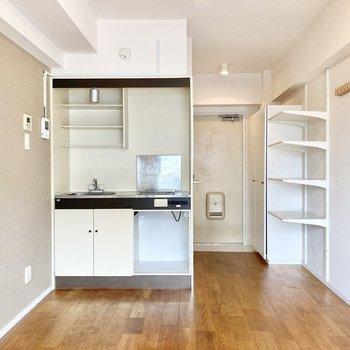 長方形のお部屋なので家具の配置もしやすそう。