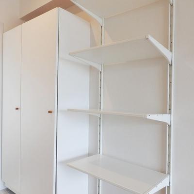 新たに棚を取り付けました。