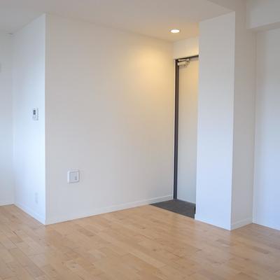 玄関に下駄箱はありません。