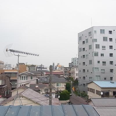 寝室の窓からの眺めです