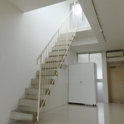 この階段の行き先は、、。
