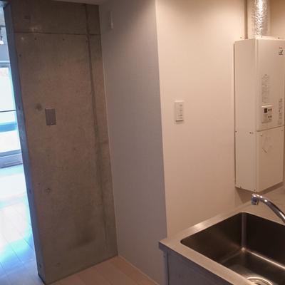 冷蔵庫置き場のスペース