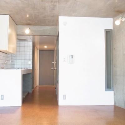 廊下部分は収納です。 ※写真は別室です