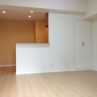 内装はシンプル、きれい※写真は別部屋