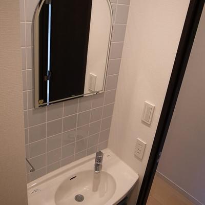 洗面台の鏡がまた良いですね♪