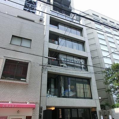 1階や地下に店舗の入る建物です