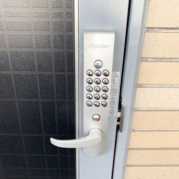 ナンバーキーなので鍵を持たずにすみます!