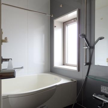 窓付きのお風呂!最上階、開放感に溢れます