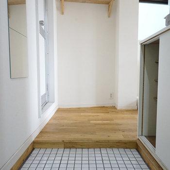 玄関まわりは白で統一♪※写真は前回募集時のもの