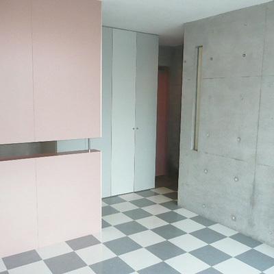 ピンクの壁もアクセント。※写真は前回募集時のものです