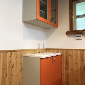 【LDK】キッチンの後ろに収納。冷蔵庫も近くに置けます。