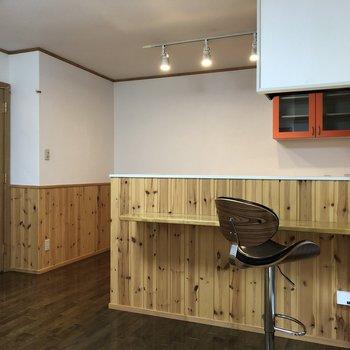 【LDK】このカウンターキッチンで、不思議の国の住人をもてなそう。※家具はサンプルです