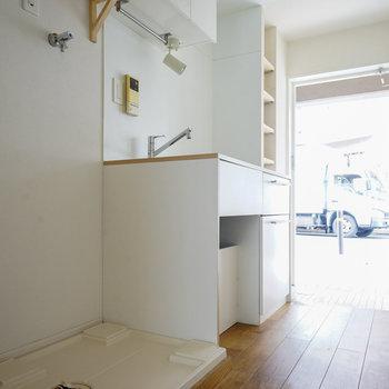 洗濯機置き場がキッチンの隣※写真は前回募集時のもの