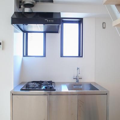 システムキッチンです。※写真は別部屋