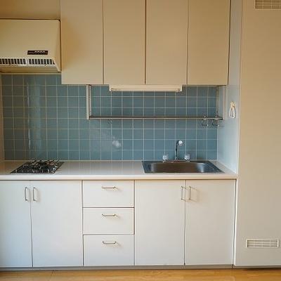 キッチンはすっきりと。※写真は別部屋です