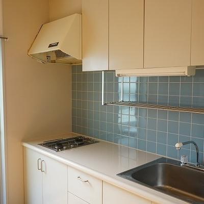 使いやすそうなシンプルキッチンです。※写真は別部屋です