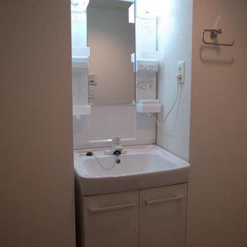 洗面台は機能性のある独立タイプ※前回募集時の写真です