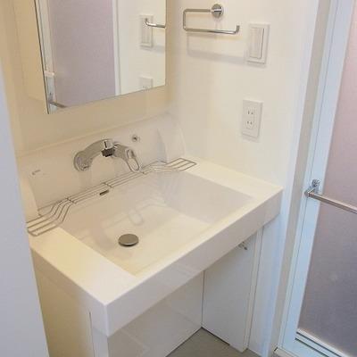 独立洗面台はこちら。