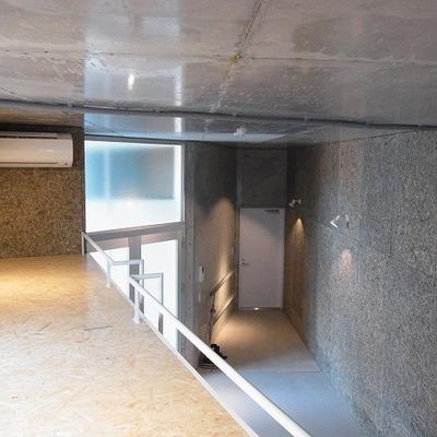 ロフトがある分、天井が3.3mと高さがあります。※写真は前回募集時のものです