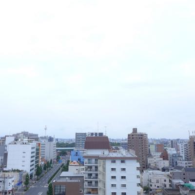ベランダからの眺望はgood!曇りでも日が入ります!※写真は別部屋になります。