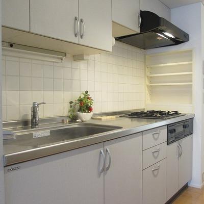 キッチン、ガス2口。