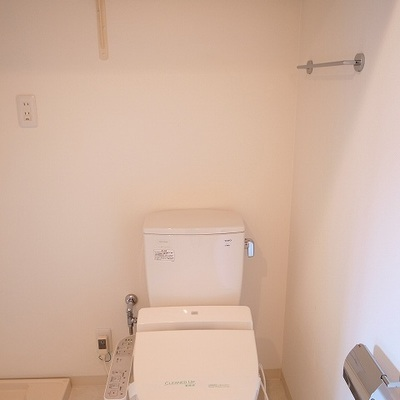 広めの脱衣所兼、トイレ※写真は別部屋です。