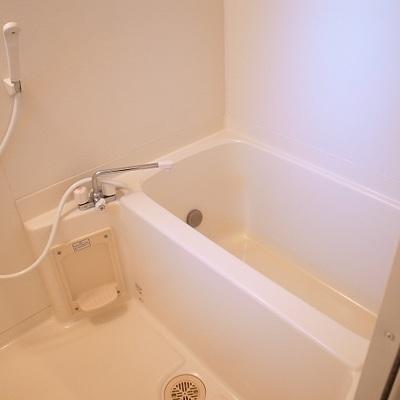 お風呂は普通※写真は別部屋です。