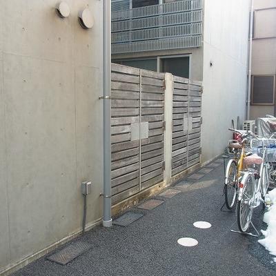 自転車置き場も別途あります。