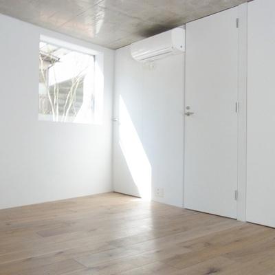 とても綺麗な空間です。床が良い。※画像は別室のものです