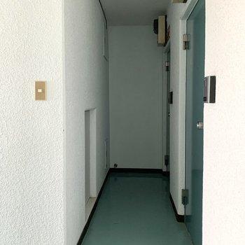 お部屋は奥まった場所にありました。