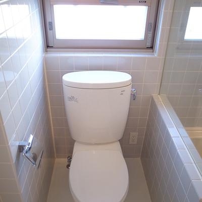 トイレには仕切りが付いているので、バストイレ一緒でもいい感じ ※写真は前回募集時のものです。