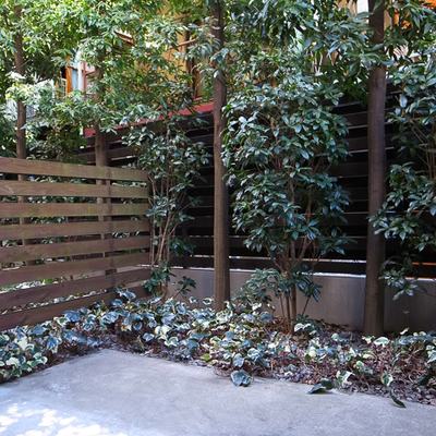 年2回のメンテを欠かさず、きれいなままの植栽たち。防犯カメラつきで安心! ※写真は前回募集時のものです。