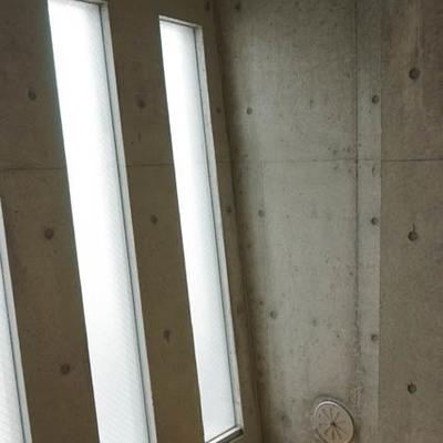 窓が斜めにでっぱってます。ザ・デザイナーズ。