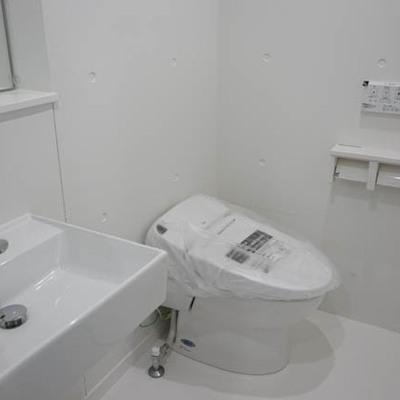 水まわりオシャレ。※写真は1階反転間取り別部屋のものです