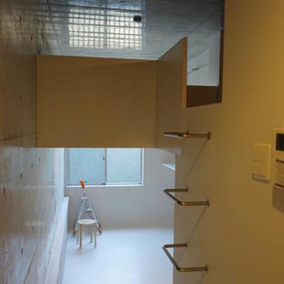 ロフトへははしごで。※写真は1階反転間取り別部屋のものです