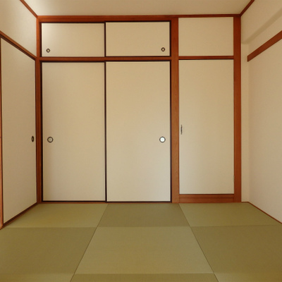 リビングの隣には和室。琉球畳を使っています