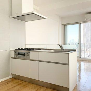 広々としたキッチン。