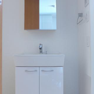 洗面台はシンプルで使い勝手goodです!