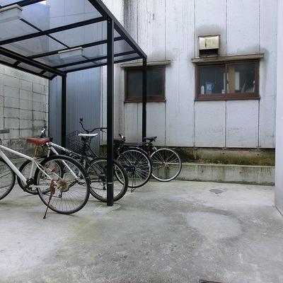 駐輪場はオートロック内に