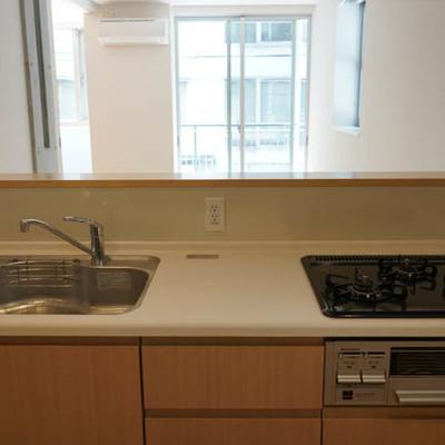 【LDK】キッチン、ガス3口!お料理も捗りそうです。※写真は前回募集時のものです