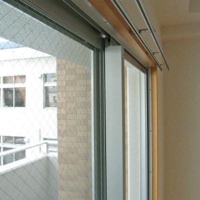窓枠がウッド調でかわいいな、と思いました