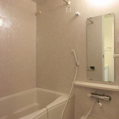 浴室乾燥のあるバスルーム。※画像は別室です
