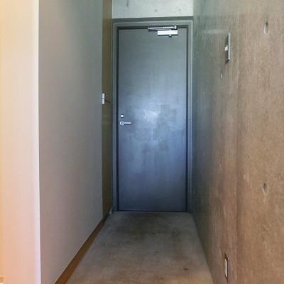 趣味のものを置けちゃう広さの玄関