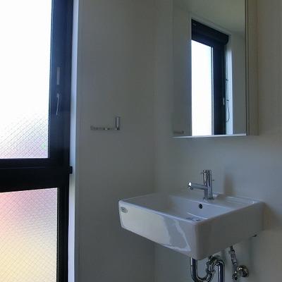 これくらいシンプルな洗面台、いいですね!※写真は別部屋です