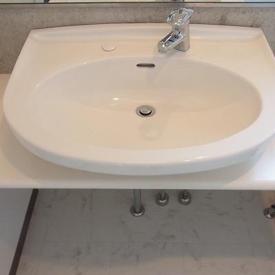 高級感のある洗面台にうっとり。