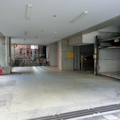 立体駐車場があります!