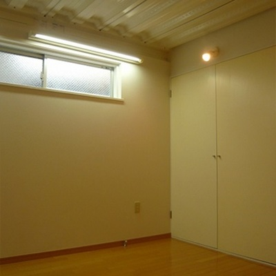 天井とダウンライトでオシャレ。※写真は前回募集時のものです。