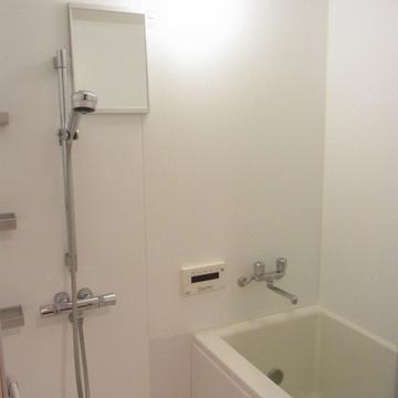 お風呂はWシャワー