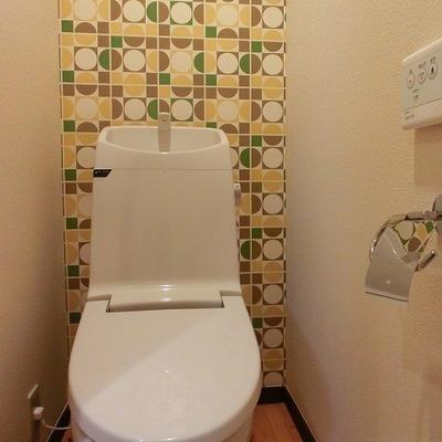 トイレはちょっとテイスト違いますね